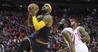 LeBron falla dos tiros libres y Harden reina en Houston