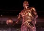 Dominique Wilkins ya tiene su estatua en el Philips de Atlanta