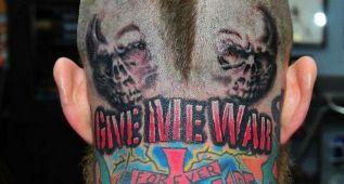 'El Pájaro' presume de nuevo tatuaje en el cogote