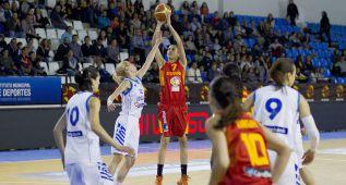 España aprueba con nota en su primer partido de preparación