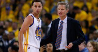 """Kerr a Stephen Curry: """"A ver si mejoras tu tiro este verano..."""""""
