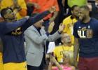 LeBron presiona para que los Cavs renueven a Thompson