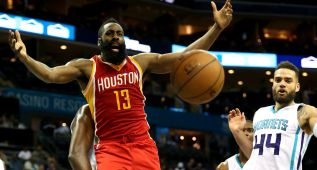 James Harden y no Stephen Curry, MVP para los jugadores