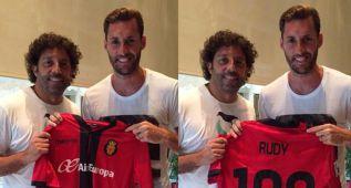 Rudy, Ivan Campo y la camiseta del centenario del Mallorca