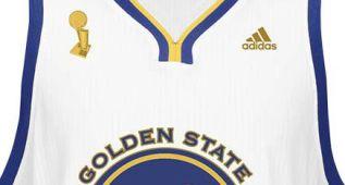 Los Warriors vestirán camisetas con el Larry O'Brien