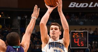 Gran debut de Mario Hezonja en la derrota de los Magic