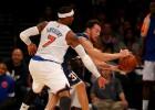 Carmelo (18) lidera la primera victoria de los nuevos Knicks