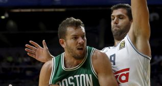 1x1 de los Celtics: la clase de Lee y los detalles de Bradley