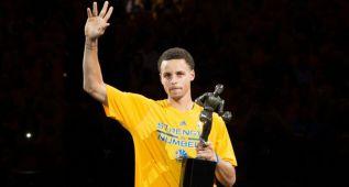"""Curry: """"Pido disculpas por todos los premios y por estar sanos"""""""