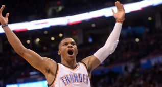 Durant (30), Westbrook (27) y los Thunder vuelven a ganar
