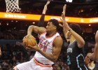 Triple-doble de Whiteside en la fiesta de Alonzo Mourning