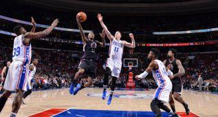 Los Clippers sobreviven en Philadelphia tras prórroga