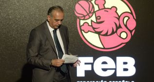 Sáez vuelve a la FEB, adelanta elecciones y no se presentará