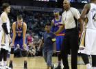 Un niño abraza a Carmelo y dos personas pierden su empleo