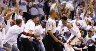 Los Warriors, contra las cuerdas: OKC acaricia las Finales con Durant y Westbrook (36+11+11)