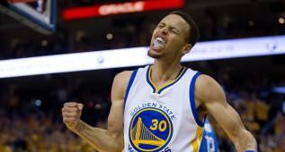 """Curry encendió a la grada con magia: """"¡No nos vamos a casa!"""""""