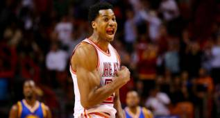 Whiteside sigue en Miami y multiplica por 100 su salario