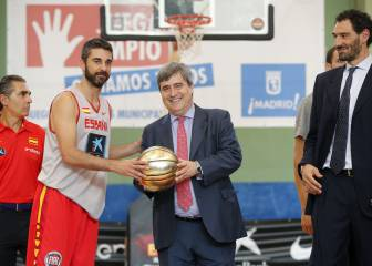 Cardenal visitó a la Selección española de baloncesto