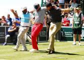 Así juega Curry al golf: lanza su bucal, baila a lo Carlton...