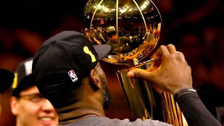 Top 100 de SI: LeBron James reina rodeado de Warriors