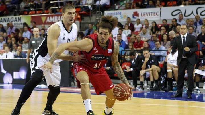 El Bilbao gana en Zaragoza y sigue con su pleno de triunfos