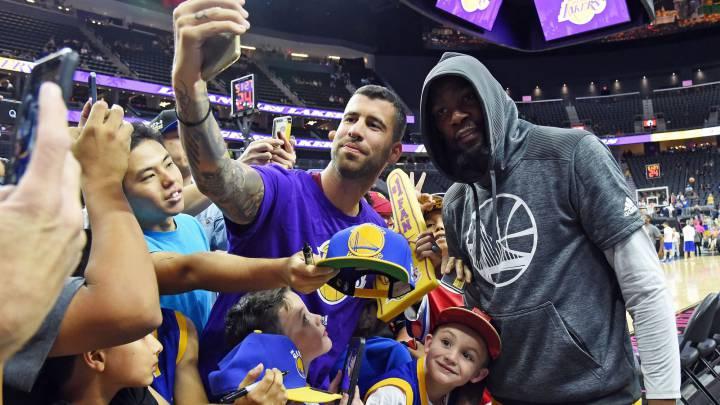 Klay, Durant y Curry se dan un festín ante los Lakers de Walton