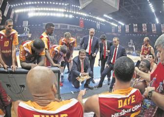 El Galatasaray acumula diez fichajes y ningún triunfo