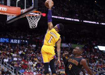 Los Lakers no dejan que Dwight Howard (31+11) siga invicto