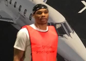 ¿Provocó Westbrook a Durant llevando un peto de fotógrafo?