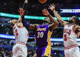 Los Lakers asaltan Chicago de la mano del guerrero Randle