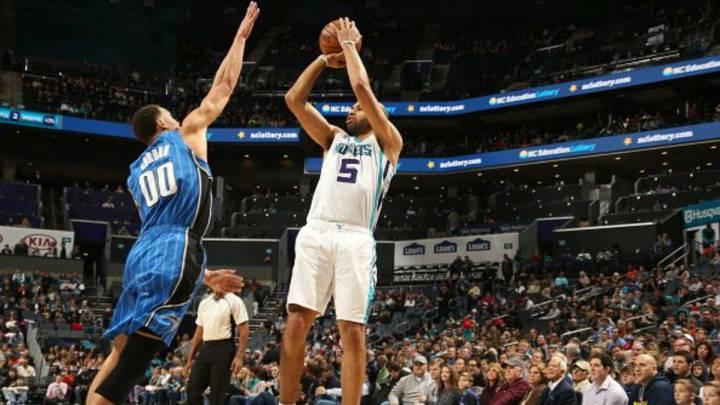 Los Hornets pasan por encima de los Magic sin dificultad alguna