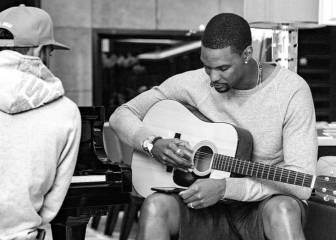 Bosh se vuelca en la música: