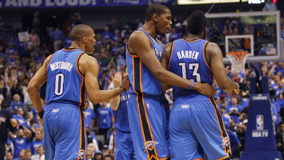 Russell Westbrook, Kevin Durant y James Harden, con los Thunder.