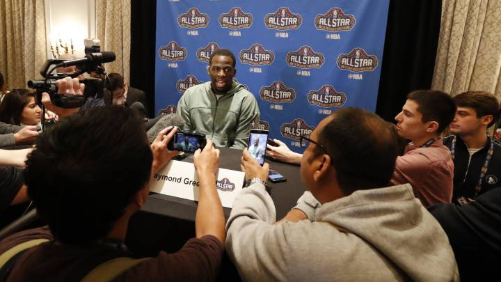 Draymond Green responde a los periodistas desplazados al All Star Game.