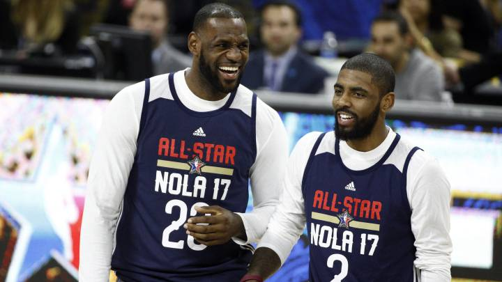 LeBron James y Kyrie Irving, durante un entrenamiento del All Star.