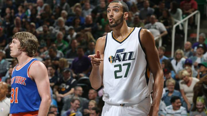 Un Gobert monstruoso (35+13) devora a Porzingis y Willy