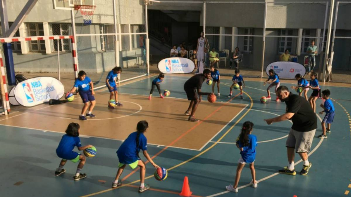 La NBA inicia su red internacional de escuelas en la India