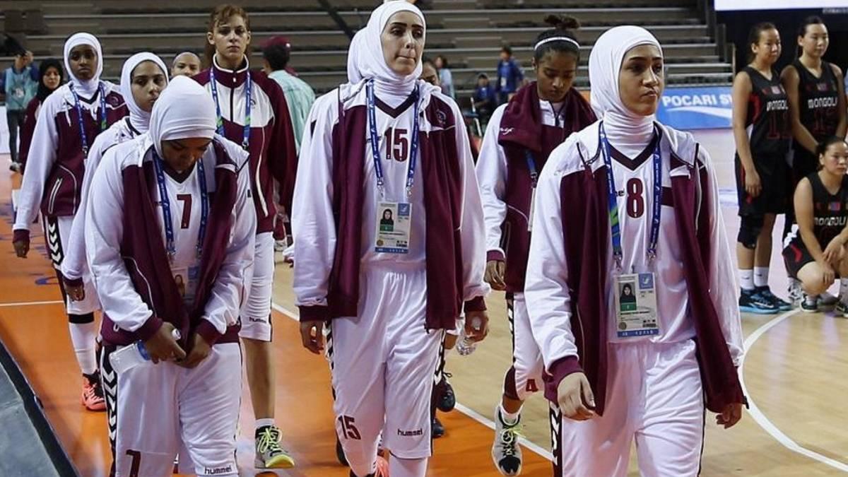 Aprueban utilizar velo a jugadoras en FIBA