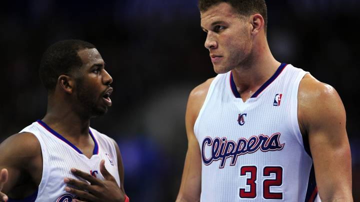 Chris Paul y Blake Griffin hablan durante un partido de los Angeles Clippers.