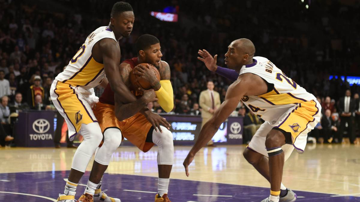 Los Angeles Lakers son multados por violar la regla anti manipulación