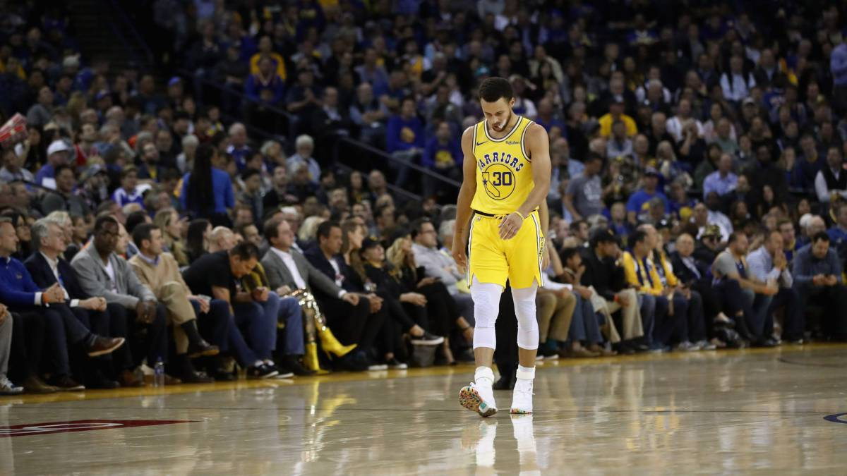 Doble golpe para los Warriors: derrota y lesión de Stephen Curry