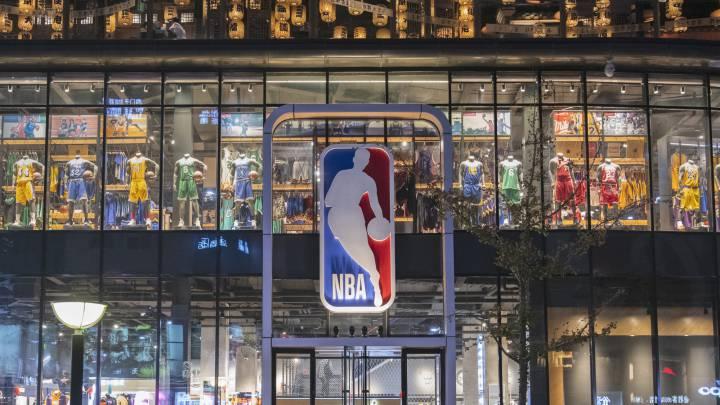 Ejecutivos de la NBA Se rebajan sus salarios