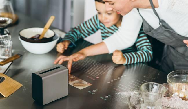 Uno de los usos del Xperia Touch: Recetario en la mesa o una de las paredes de la cocina