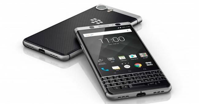 Blackberry KeyOne, con teclado físico-digital