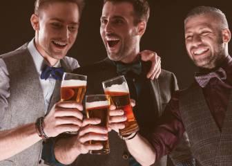 Por qué beber cerveza te junta con gente feliz