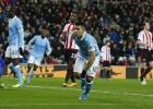 Agüero mantiene en la lucha al Manchester City de Pellegrini
