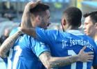 Henríquez y Junior brillan en sólida goleada del Dinamo