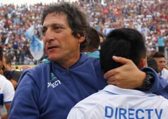 Plantel respalda a Mario Salas y Larraín lo ratifica en la UC