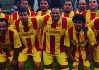 Chupete Suazo anotó un gol en su regreso al fútbol amateur