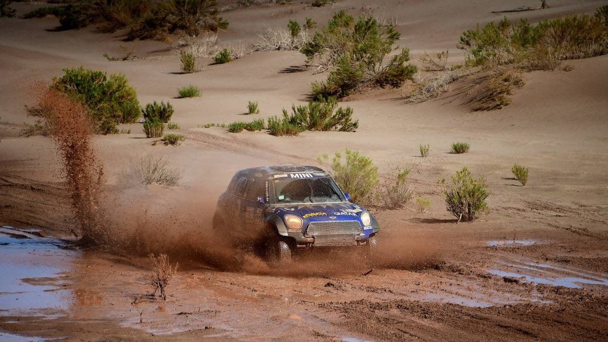 Suspenden la novena etapa del Dakar por el mal clima